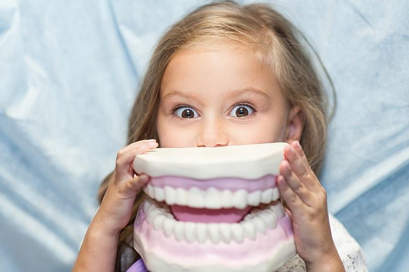 Primera visita dental: Claves para el éxito